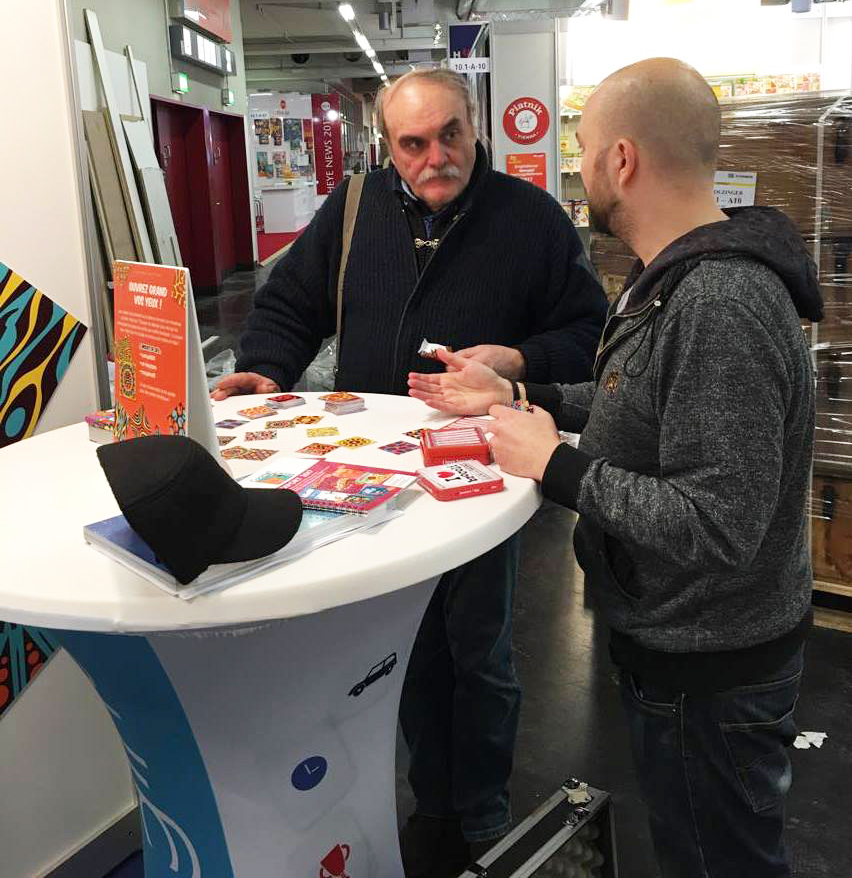 Discusion sur le stand Cocktail Games à Nuremberg 2017